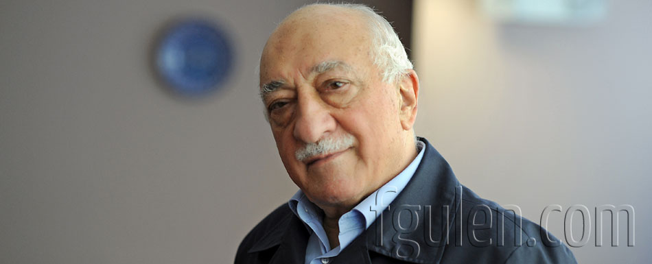 What social backgrounds do people in the Gülen Movement come from?